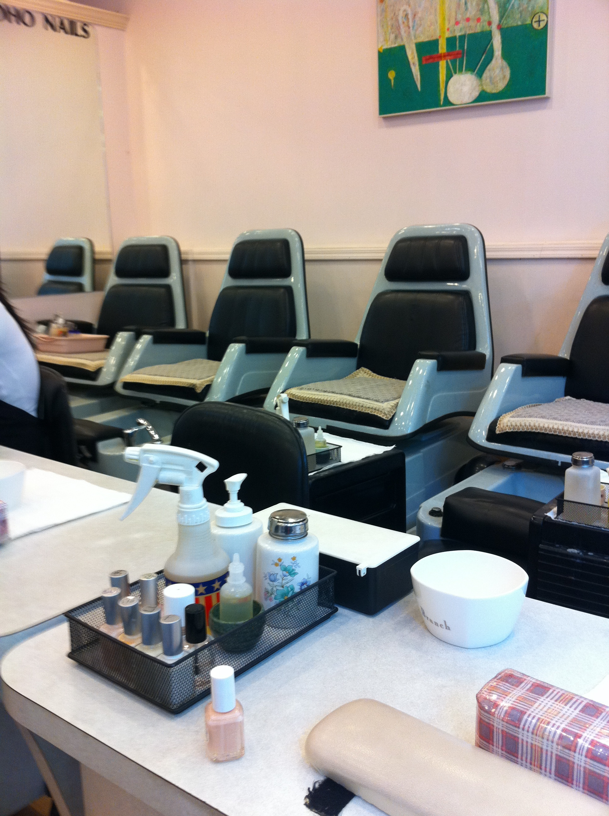 nail market world desks decor clara pinterest home pin desk room