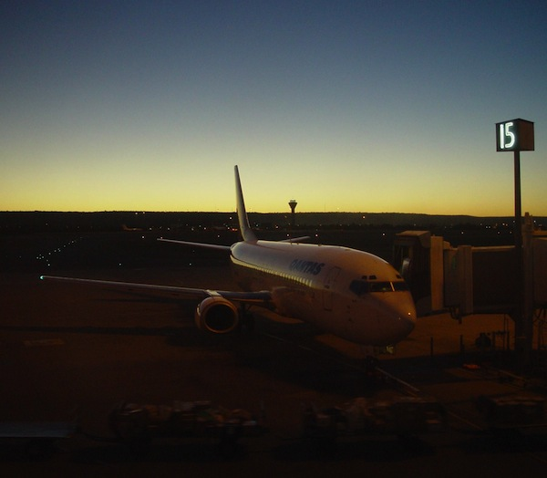 early-morning-flight-perth-airport-western-australia