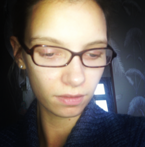 model beauty blogger