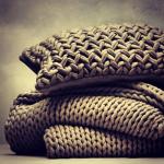 Oversized Knitted Bedding: Nest-Making