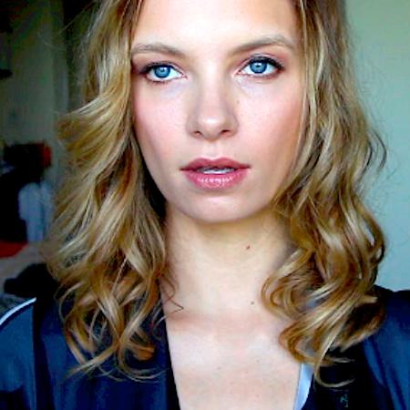 Retro Hair Waves and Natural, Glowing Makeup…