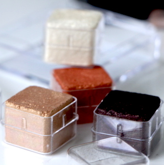 the body shop shimmer cubes shade 30