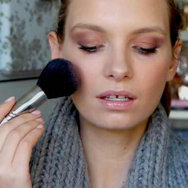 ruth crilly model beauty blogger face makeup video