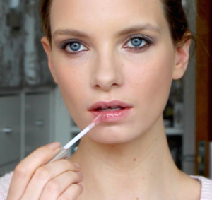 an easy affordable everyday makeup look  a model recommends