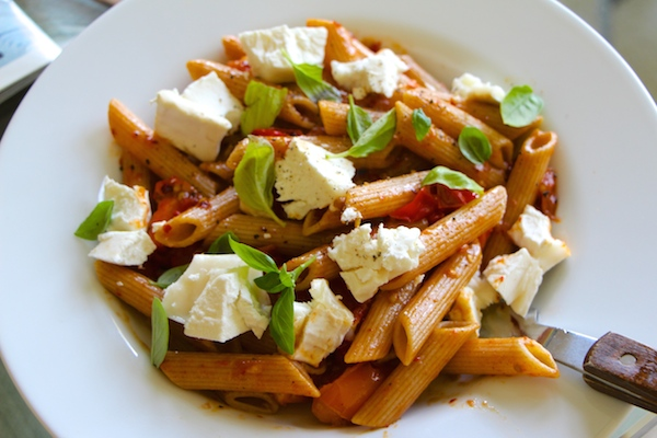 Fridge Scraps Pasta: Goat's Cheese and Juicy Cherry Tomatoes