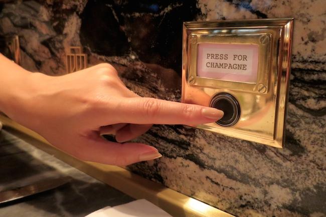 Resultado de imagem para pictures of press the button