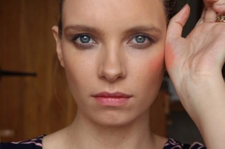 Illamasqua Gel Colour: Nearly-Neon Non-Moving Blush