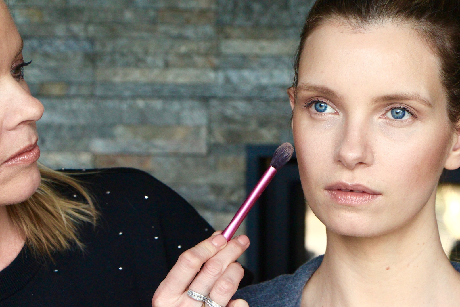 Makeup how to subtle daylight contouring a model recommends baditri Image collections