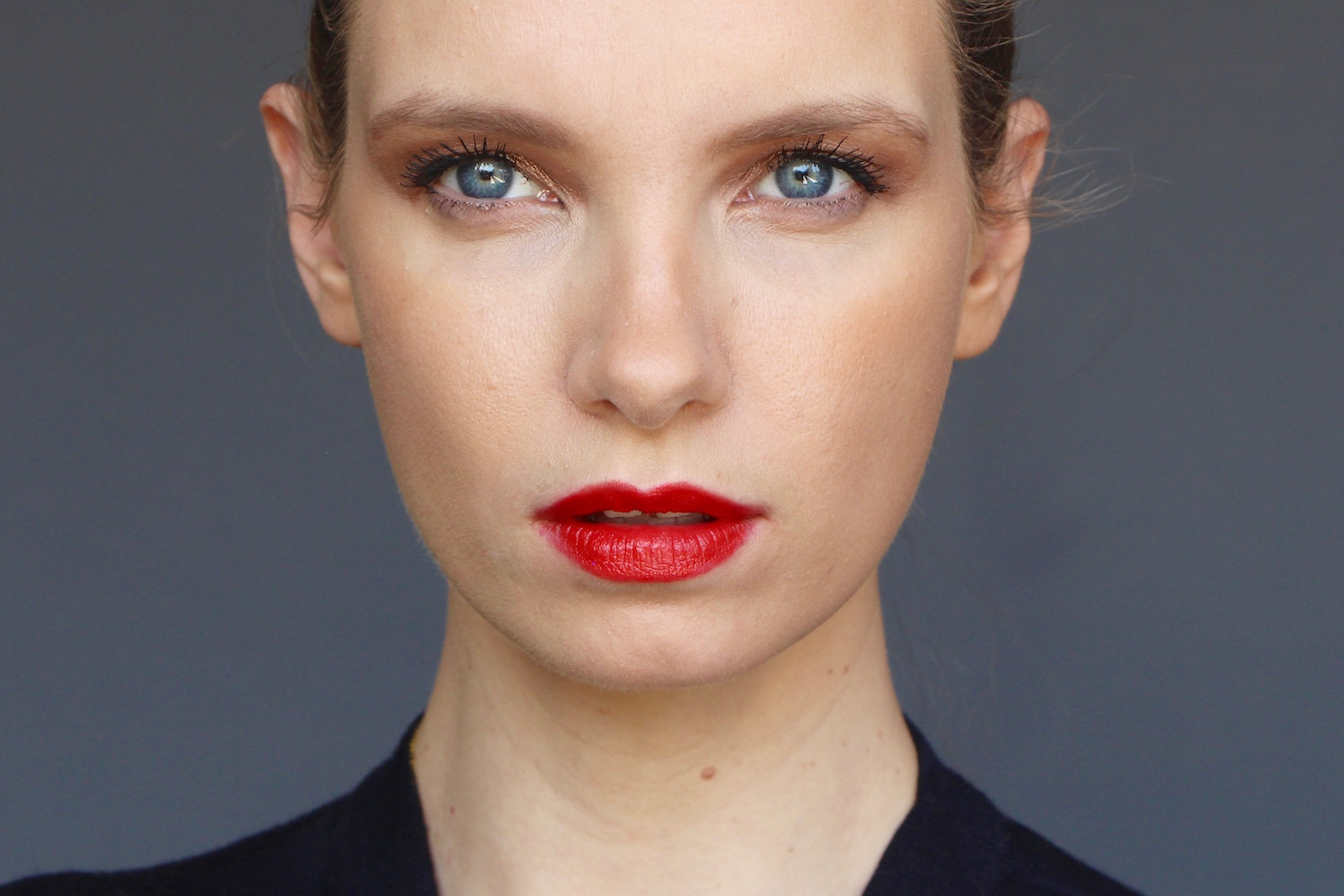 New way to wear red lipstick a model recommends