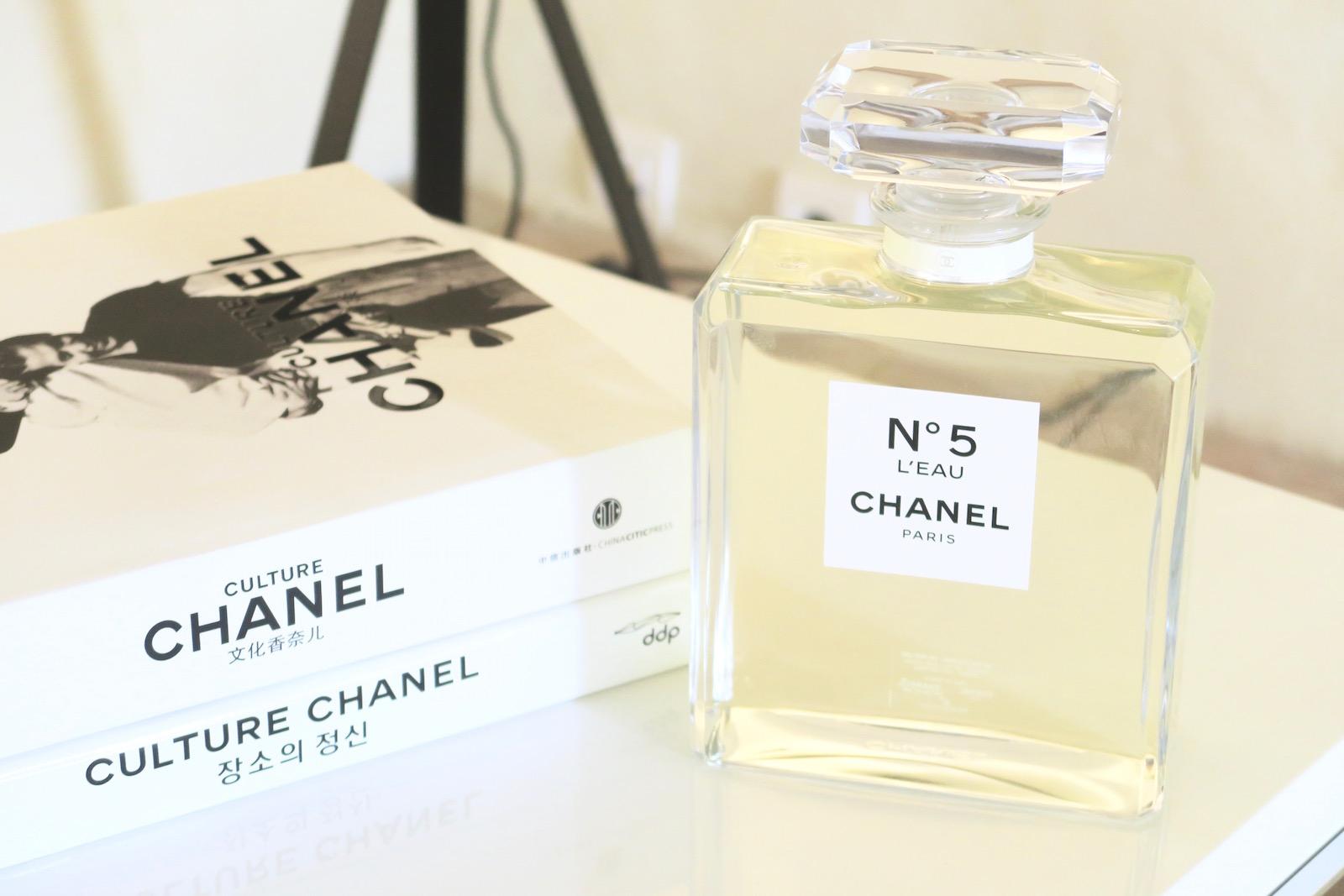 nov chanel 5 chanel n 5 l 39 eau lily rose depp diamond addict. Black Bedroom Furniture Sets. Home Design Ideas
