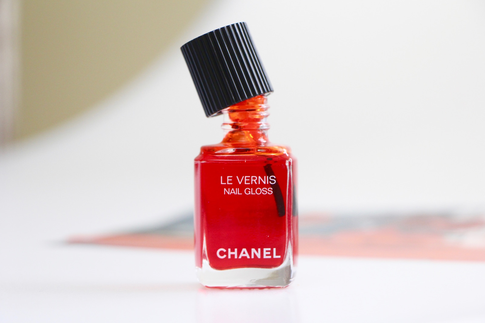 Chanel Nail Gloss Get On My Hands A Model Recommends