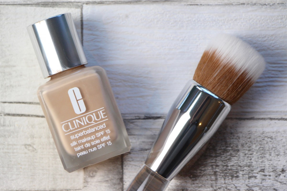 Clinique superbalanced silk makeup foundation review a for Where is clinique made