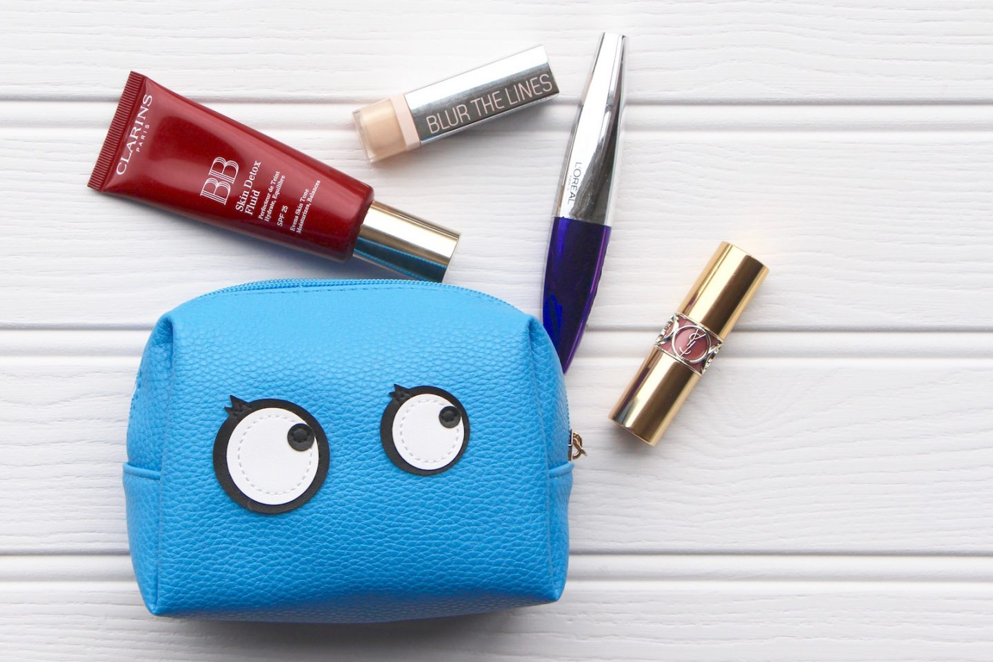whats in my makeup bag
