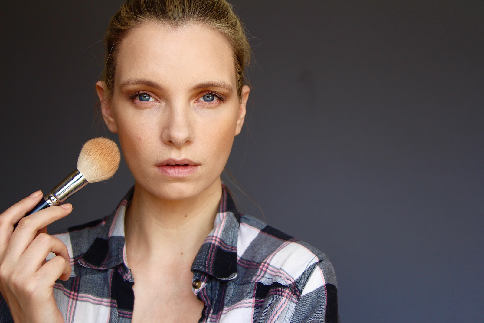 How To Apply Full Coverage Foundation | A Model Recommends
