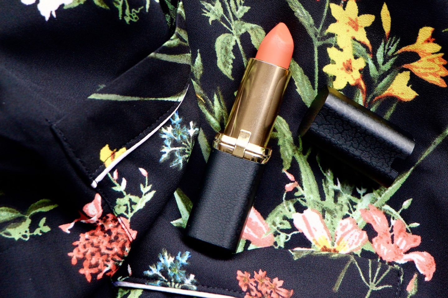 l'oreal matte addiction lipstick review