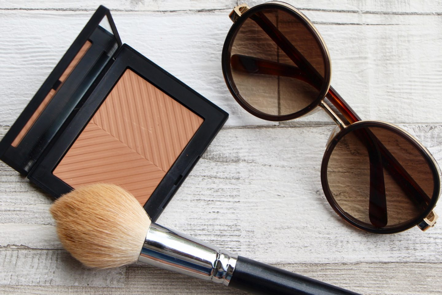 How to Apply Bronzer: The Sunglasses Trick