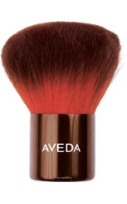 uruku bronzing brush from aveda  a model recommends