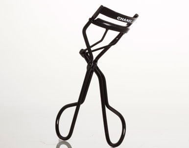 chanel eyelash curlers