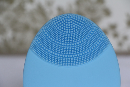 how does the foreo luna work