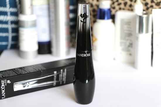 swan-neck mascara wand