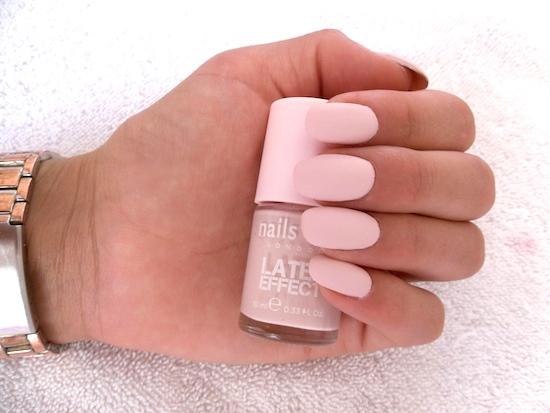 nail art latex nail look