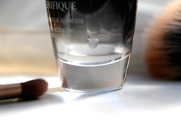 genefique close-up bottle