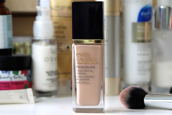 Estée Lauder Perfectionist Youth-Infusing Foundation Review