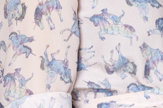 silken favours kittens riding unicorns