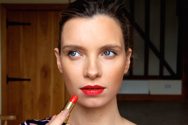 ruth crilly model beauty blogger wearing  chanel coco rouge arthur