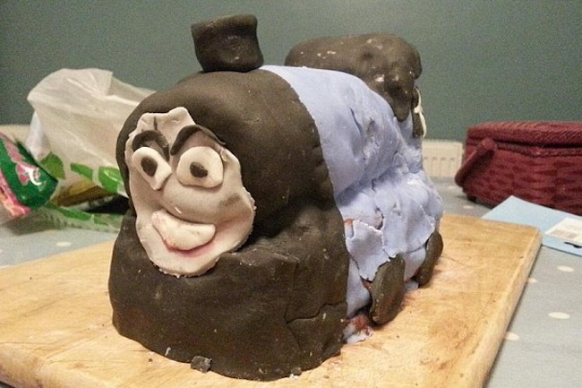 baking fails thomas the tank engine cake