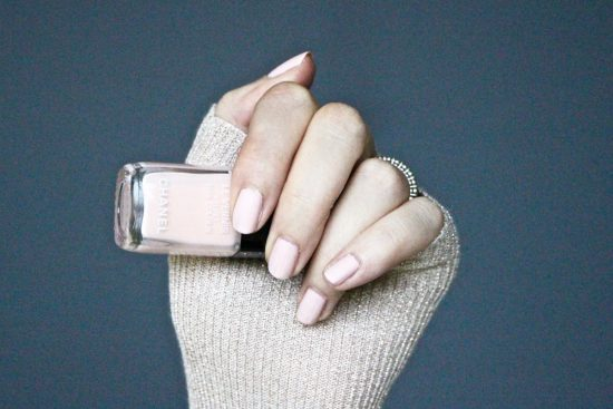 chanel pink rubber velvet nail polish review
