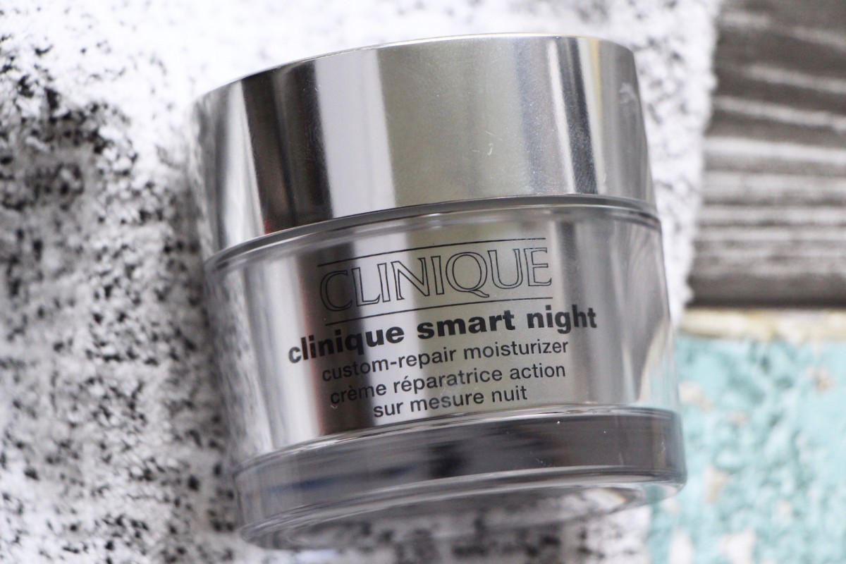 clinique moisturiser smart custom repair