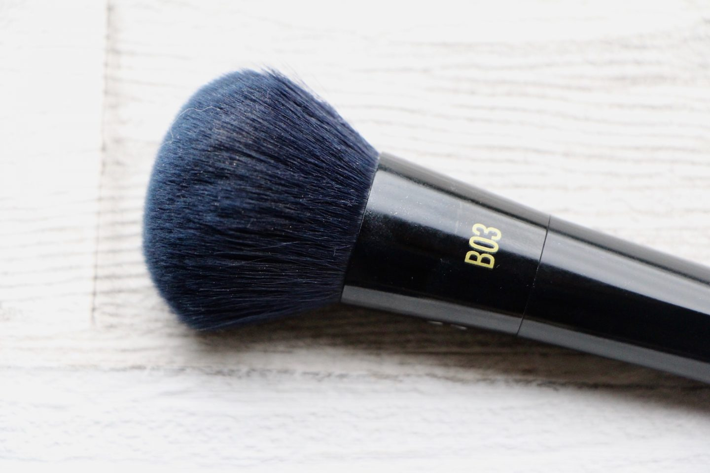 real techniques powderbleu b03 soft complexion brush review