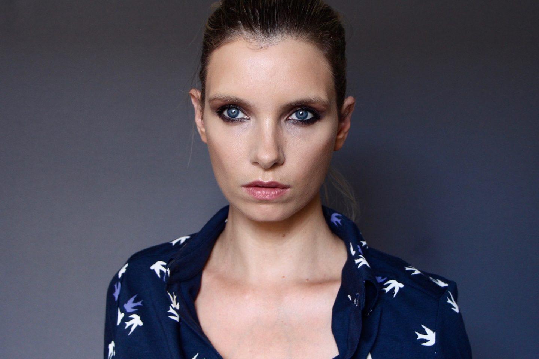Victoria Beckham x Estée Lauder Smudgy Matte Eyeliner Review