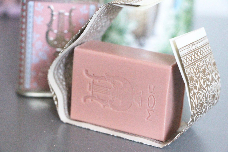 MOR marshmallow soap tin