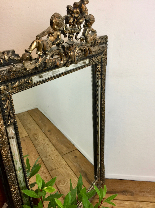 cherub mirror vinterior