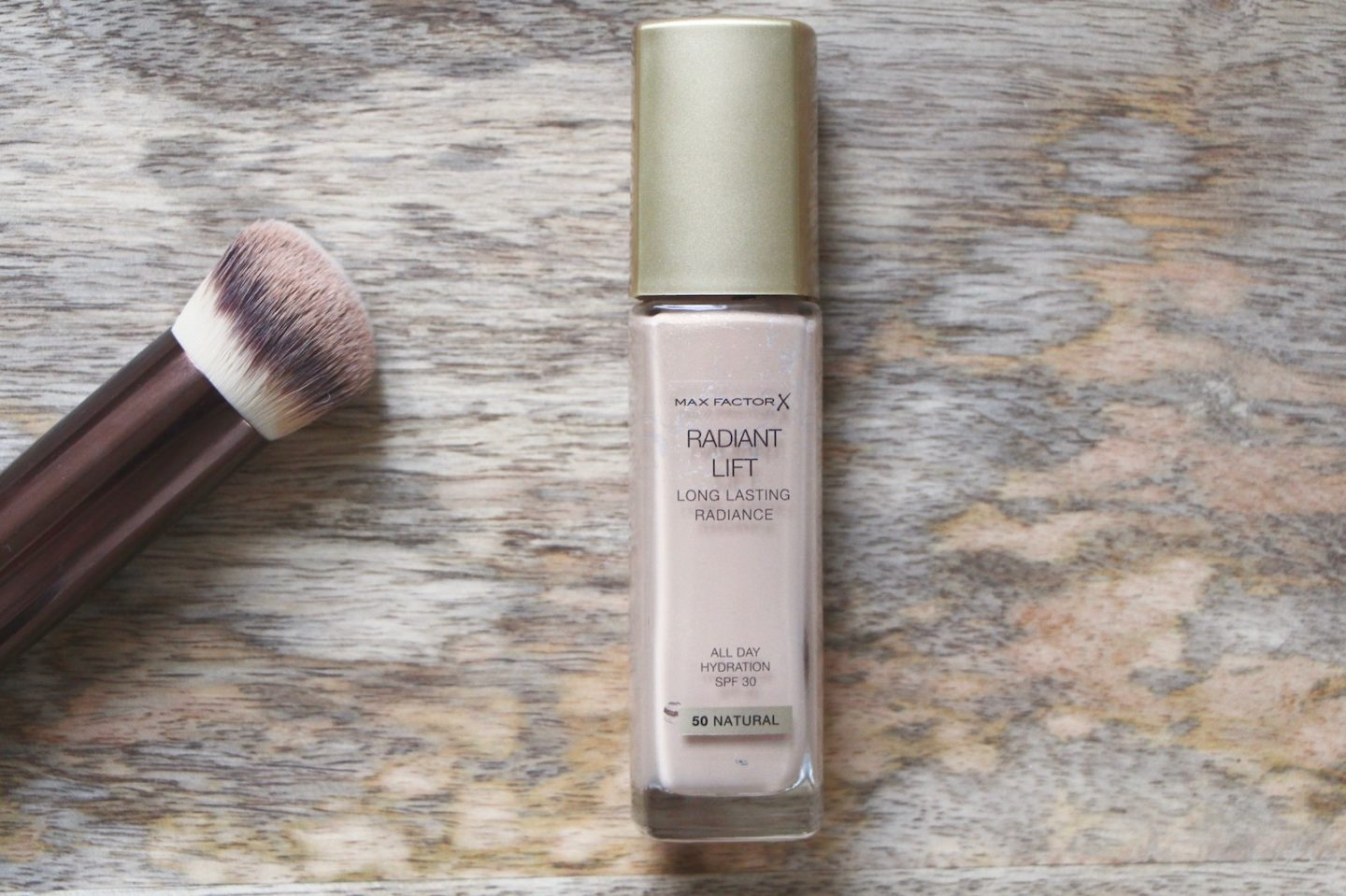 Max Factor Radiant Lift foundation review