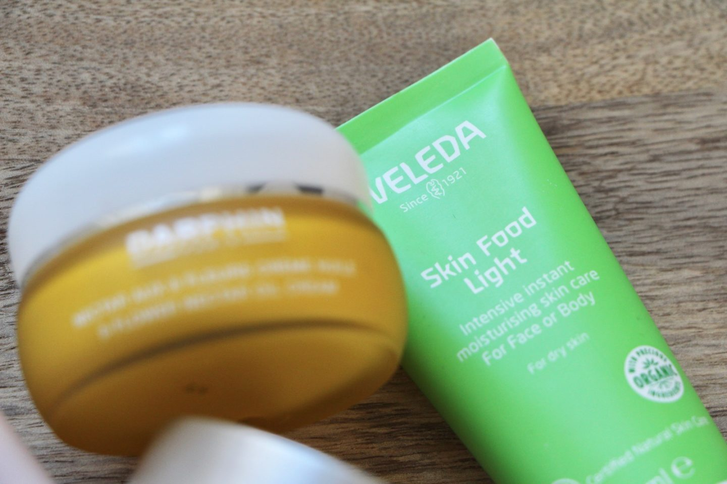 weleda skin food light review